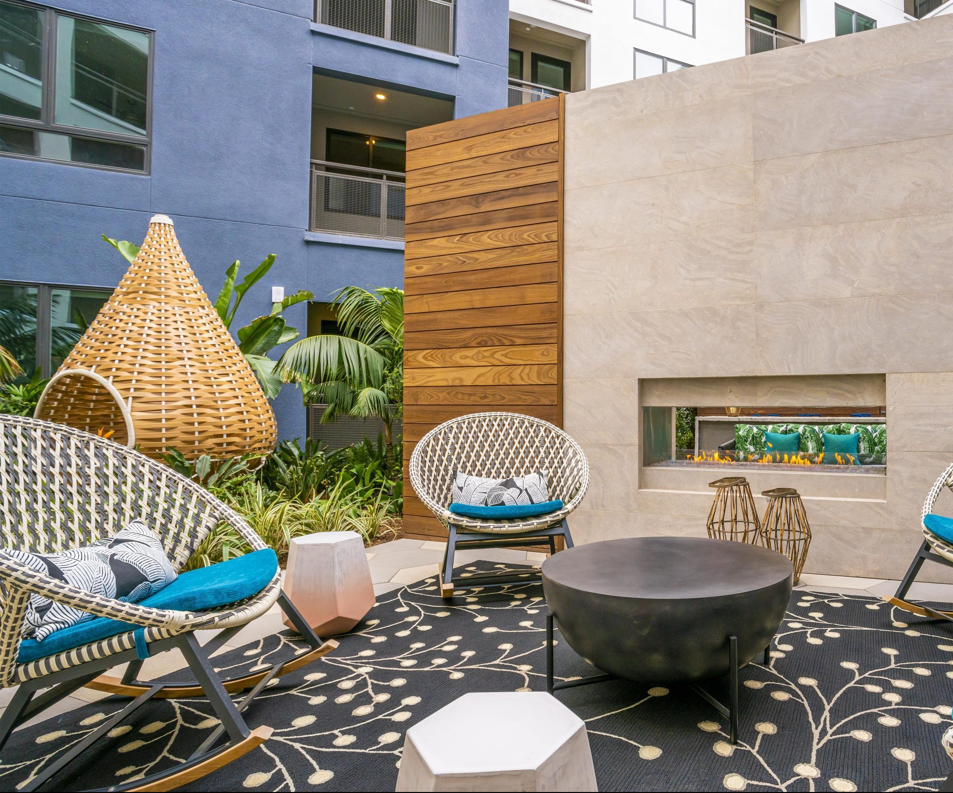 broadstone arden outdoor courtyard lounge and fire pit